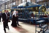 Святейший Патриарх Кирилл посетил Новосибирский авиационный завод им. В.П. Чкалова