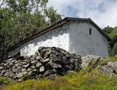 Владикавказская епархия выступила с заявлением по поводу осквернения часовни Рождества Пресвятой Богородицы в Куртатинском ущелье