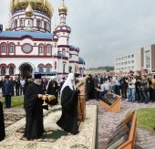 Святейший Патриарх Кирилл освятил закладные камни 10 храмов, которые будут возведены в столице Кузбасса