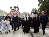 Святейший Патриарх Кирилл и С.С. Собянин ознакомились с ходом реставрации колокольни храма на Софийской набережной в Москве