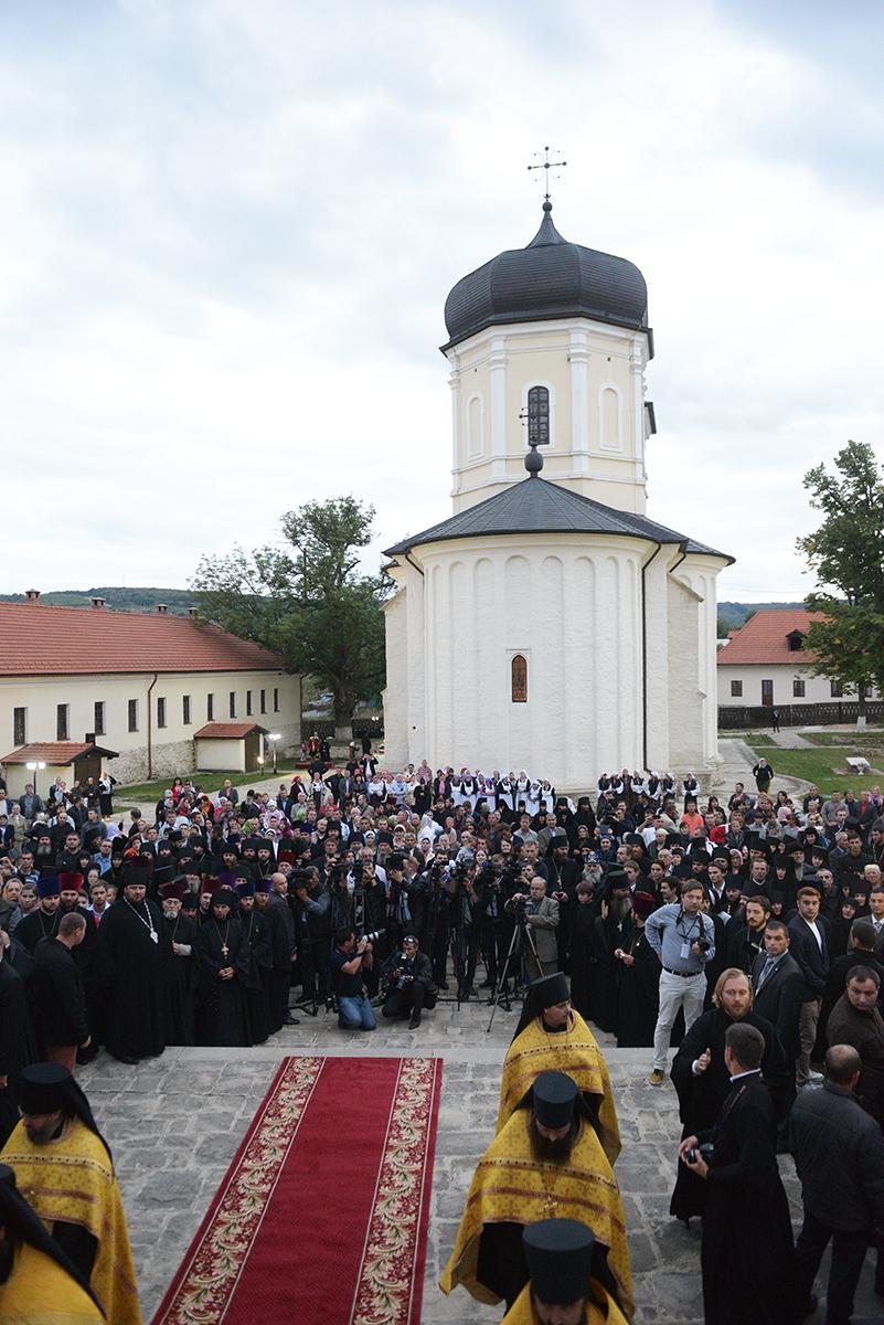Патриарший визит в Молдову. Посещение Успенского Каприянского монастыря