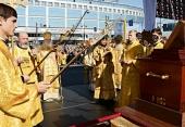 Святейший Патриарх Кирилл совершил молебен на площади Александра Невского в Санкт-Петербурге
