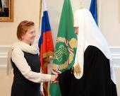 Предстоятель Русской Церкви встретился с губернатором Ханты-Мансийского автономного округа Н.В. Комаровой