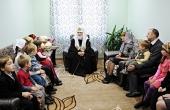 Святейший Патриарх Кирилл посетил центр социальной помощи семье и детям при Георгиевском храме Сургута