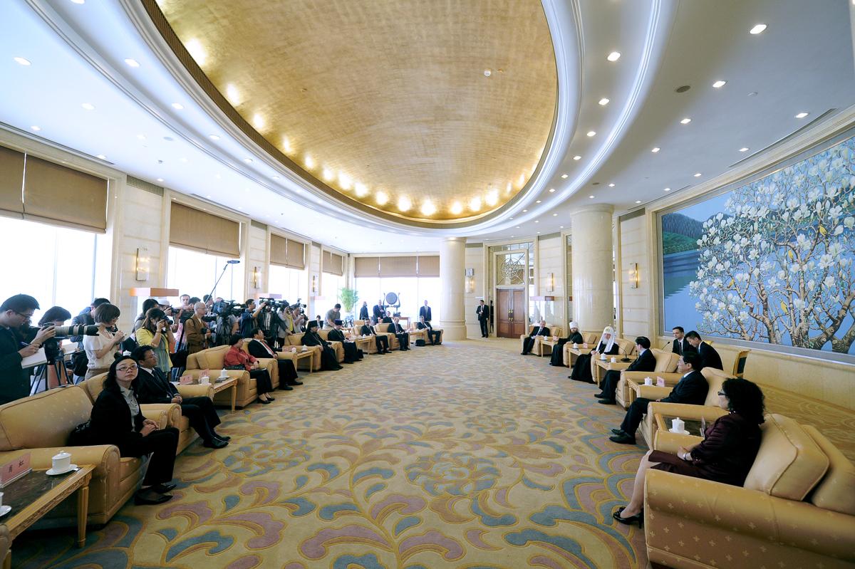 Патриарший визит в Китай. Встреча с директором Государственного управления по делам религий при Государственном Совете КНР Ван Цзоанем
