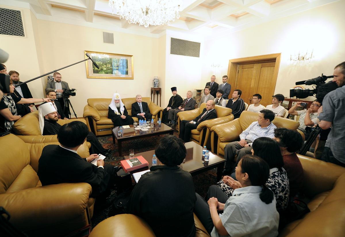 Встреча с православными верующими в посольстве РФ в Пекине