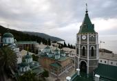 Святейший Патриарх Кирилл совершил Литургию в Покровском храме Русского на Афоне Свято-Пантелеимонова монастыря