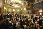 Предстоятель Русской Православной Церкви совершил молебен в афинском храме священномученика Дионисия Ареопагита