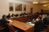 Проблему суррогатного материнства обсудили на заседании расширенного президиума Синодальной библейско-богословской комиссии