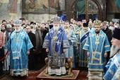В праздник Введения во храм Пресвятой Богородицы Предстоятель Русской Церкви совершил Литургию в Успенском соборе Московского Кремля