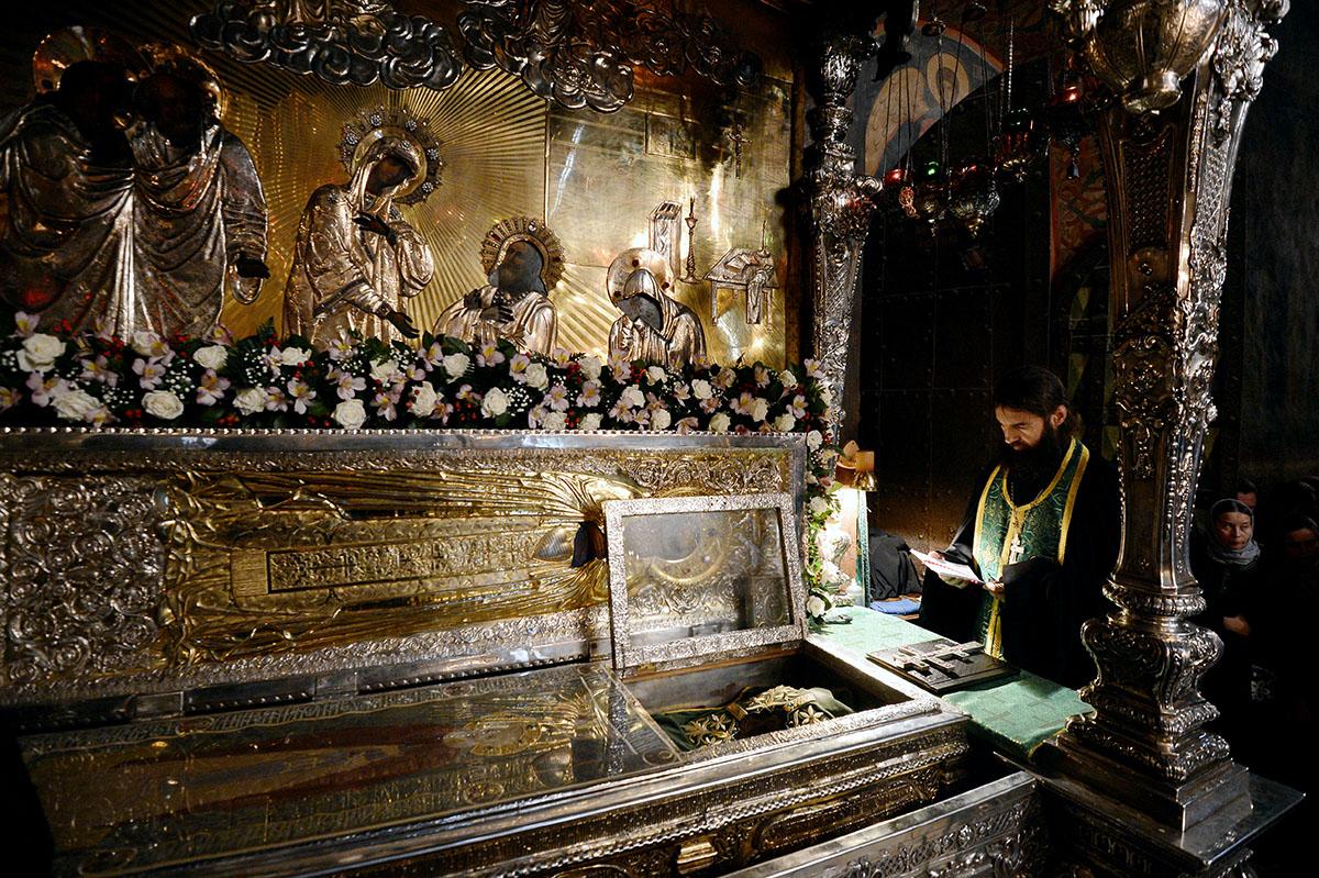Богослужение в Троице-Сергиевой лавре в день памяти преподобного Сергия Радонежского