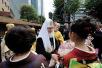 Первосвятительский визит в Японию. Литургия в Воскресенском кафедральном соборе Токио. Молебен и лития на токийском кладбище Янака