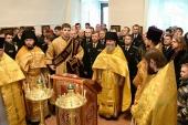 В возрожденном Адмиралтейском храме святителя Спиридона Тримифунтского в Петербурге совершена первая за 90 лет Литургия