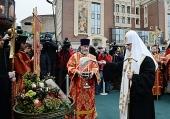Святейший Патриарх Кирилл освятил закладной камень в основание храма Новомучеников и исповедников Российских в Сретенском монастыре