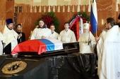 Митрополит Крутицкий Ювеналий совершил отпевание М.Т. Калашникова