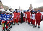 На Красной площади в Москве открылся турнир по русскому хоккею на Кубок Патриарха