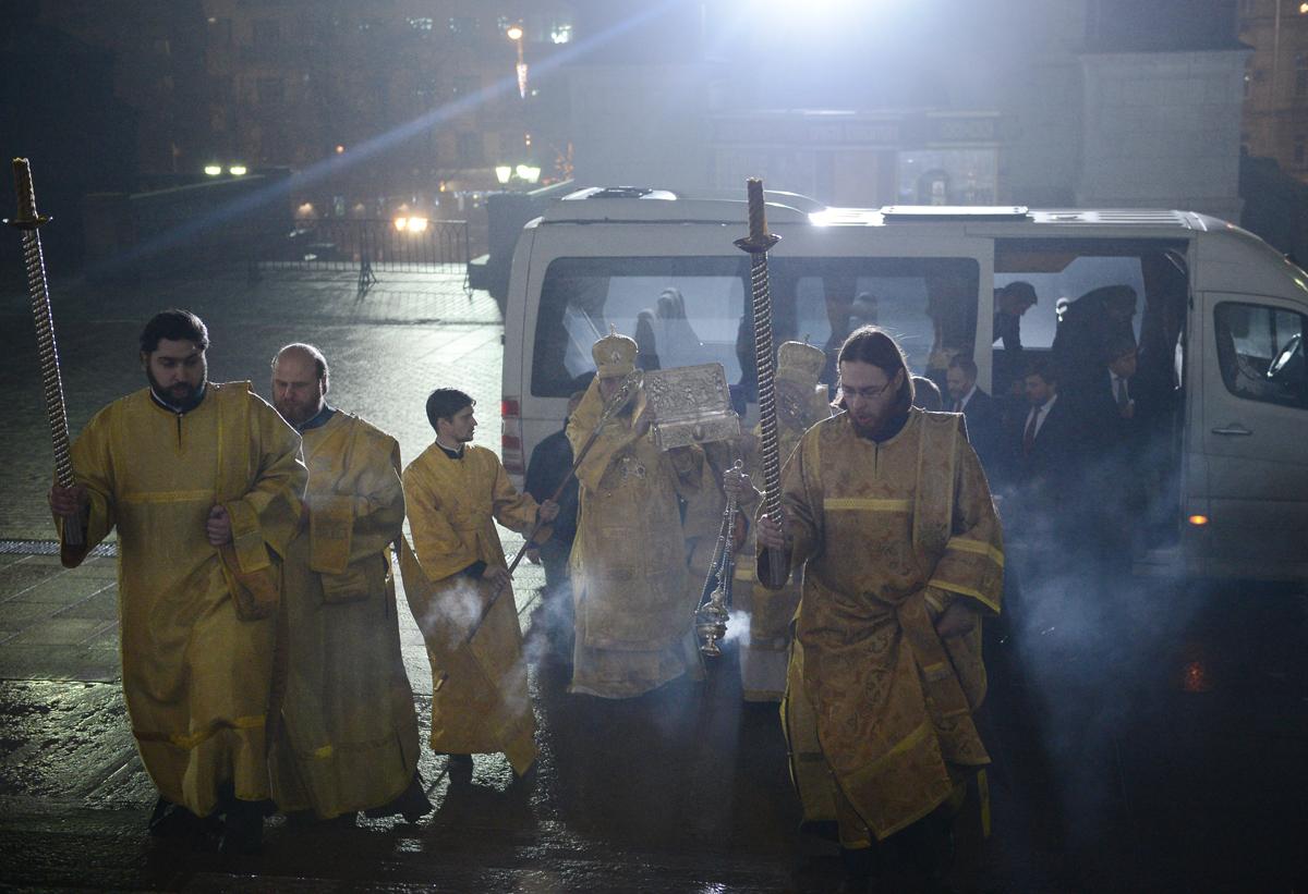 Принесение Даров волхвов в Храм Христа Спасителя. Патриаршее служение в праздник Рождества Христова