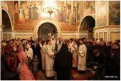 Управляющий делами Украинской Православной Церкви совершил в Киево-Печерской лавре молебен о мире
