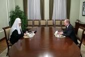 Президент России В.В. Путин поздравил Святейшего Патриарха Кирилла с пятилетием интронизации