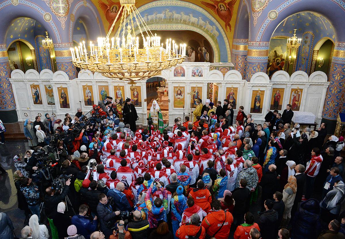 Визит Святейшего Патриарха Кирилла в Сочи. Молебен в храме Нерукотворного Образа Спасителя