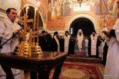 В Киево-Печерской лавре совершена панихида по погибшим во время силового противостояния на Украине