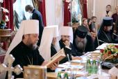 Под председательством Святейшего Патриарха Кирилла в Петербурге открылось очередное заседание Священного Синода