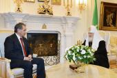 Святейший Патриарх Кирилл встретился с министром обороны Российской Федерации С.К. Шойгу