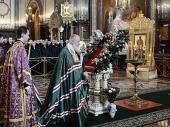 В Крестопоклонную неделю Предстоятель Русской Церкви совершил Литургию святителя Василия Великого в Храме Христа Спасителя в Москве