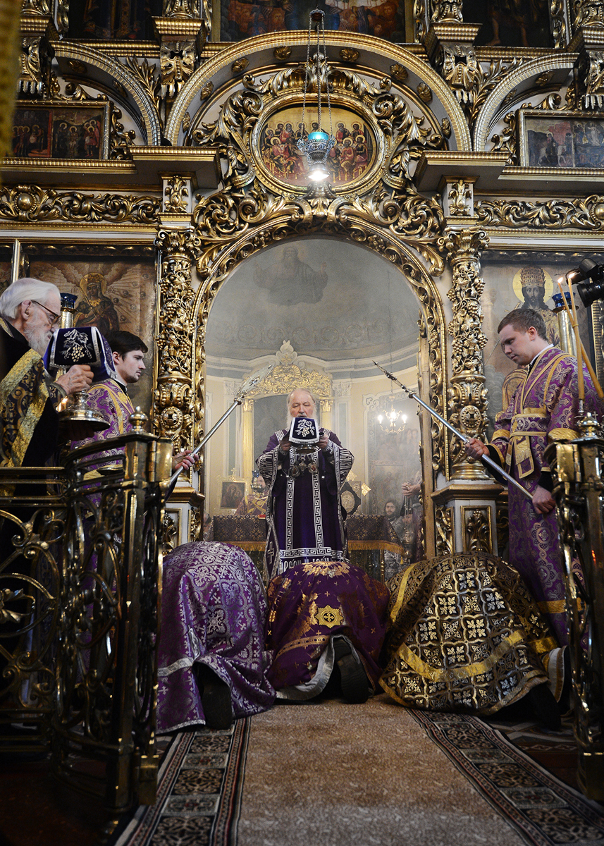 Патриаршее служение в пятницу 4-й седмицы Великого поста в московском храме святого мученика Иоанна Воина на Якиманке