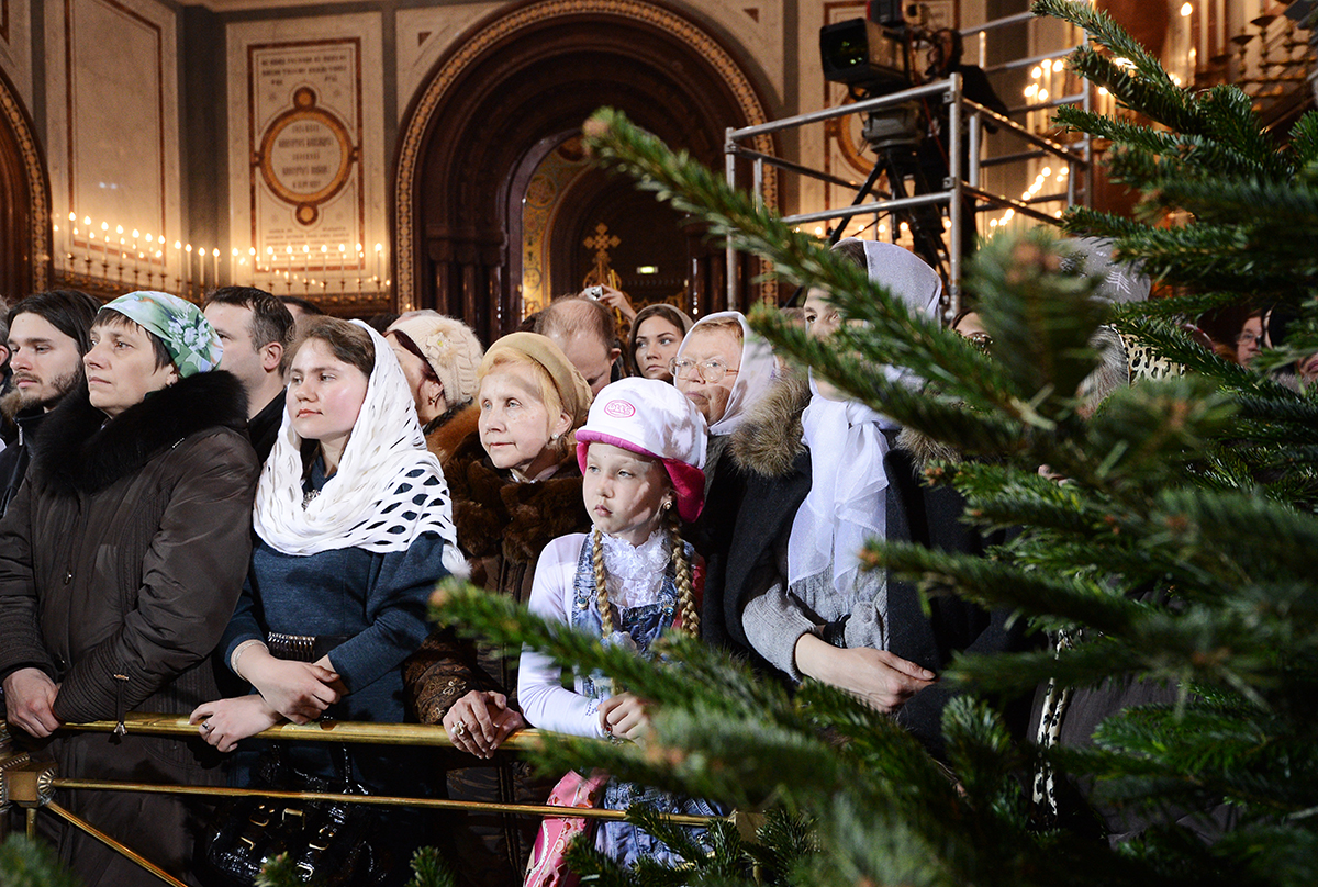 Великая вечерня в Храме Христа Спасителя в праздник Рождества Христова
