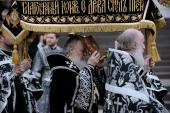 Предстоятель Русской Церкви совершил в Храме Христа Спасителя утреню Великой субботы с чином погребения
