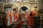 В день Собора новомучеников и исповедников Российских Предстоятель Русской Церкви совершил Литургию в Успенском соборе Московского Кремля