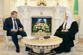 Святейший Патриарх Кирилл встретился с министром регионального развития РФ И.Н. Слюняевым