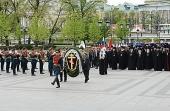 В канун празднования Дня Победы Святейший Патриарх Кирилл возложил венок к могиле Неизвестного солдата у Кремлевской стены