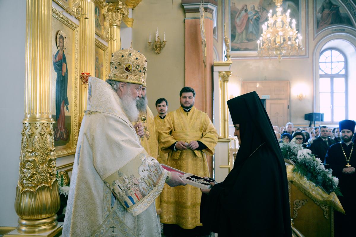 Патриаршее служение в день 15-летия обретения мощей блаженной Матроны Московской в Покровском ставропигиальном монастыре