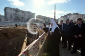 Святейший Патриарх Кирилл освятил закладной камень в основание часовни свв. Петра и Февронии при Покровском монастыре столицы