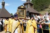 Около 70 тысяч верующих приняли участие в торжествах по случаю празднования явления Великорецкой иконы святителя Николая Чудотворца