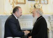 Святейший Патриарх Кирилл встретился с министром строительства и жилищно-коммунального хозяйства РФ М.А. Менем