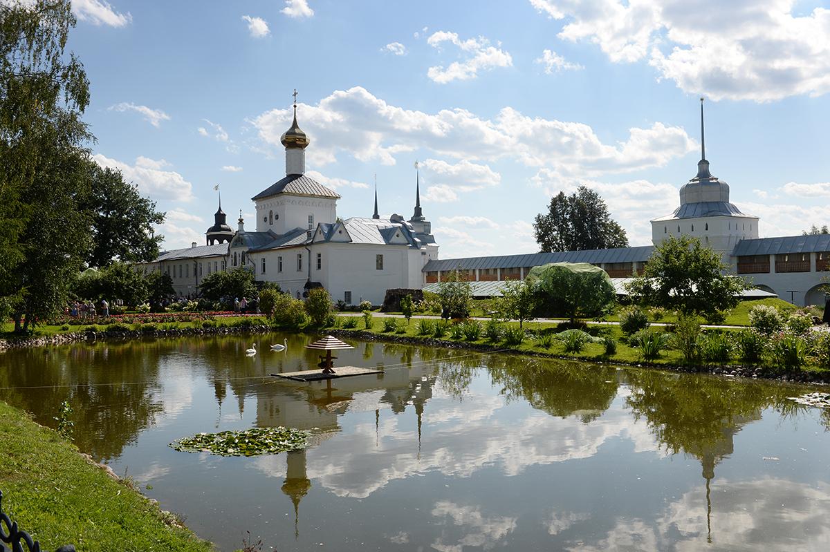 http://p2.patriarchia.ru/2014/08/21/1236177117/2P20140820-VAR_7289-1200.jpg