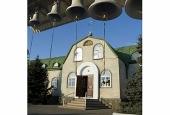 В городе Кировское Донецкой области в результате прямого попадания артиллерийского снаряда разрушен храм, есть жертвы