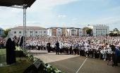 Святейший Патриарх Кирилл возложил венок к памятнику воинам-дмитровчанам, погибшим в годы Великой Отечественной войны