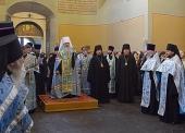 Предстоятель Православной Церкви в Америке совершил в Донском монастыре Москвы молитву у мощей своего небесного покровителя