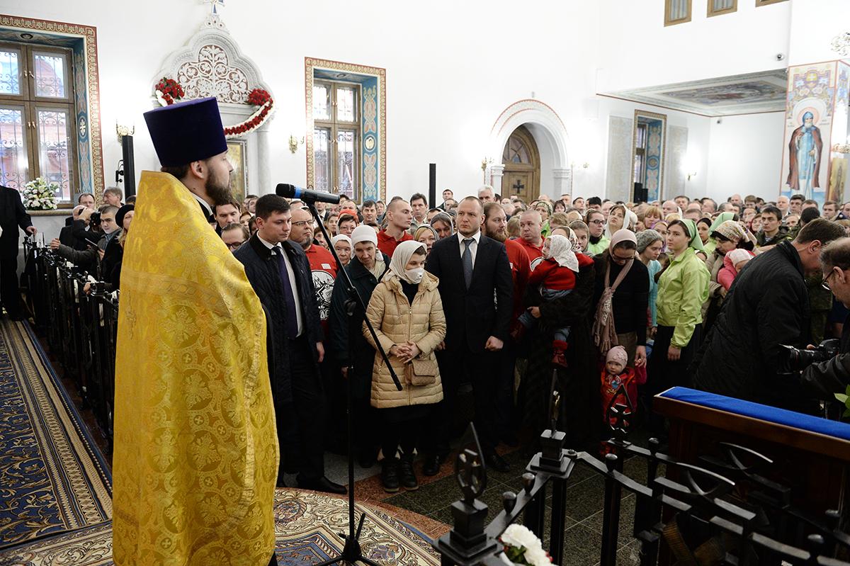 Патриаршее служение в день памяти святителя Николая Чудотворца в храме Благовещения Пресвятой Богородицы в Сокольниках г. Москвы