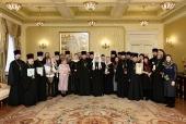 Предстоятель Русской Церкви наградил священнослужителей г. Москвы, отмечающих памятные даты в текущем году