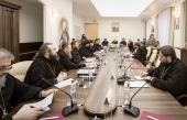 Учебный комитет провел круглый стол на тему лицензирования и аккредитации духовных школ