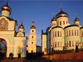 Предстоятель Украинской Православной Церкви посетил Черновицко-Буковинскую епархию