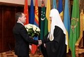Председатель Правительства РФ Д.А. Медведев поздравил Святейшего Патриарха Кирилла с годовщиной интронизации