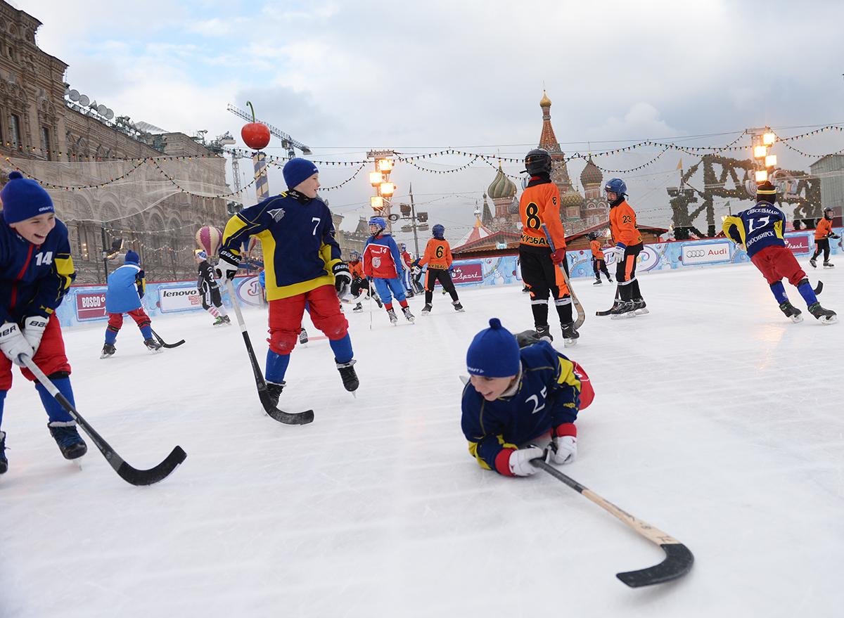 Открытие детского турнира по русскому хоккею на кубок Патриарха в Москве