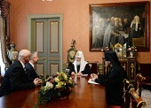 Предстоятель Русской Православной Церкви встретился с заместителем премьер-министра Венгрии Ж. Шемьеном