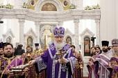 В Неделю 5-ю Великого поста Предстоятель Русской Церкви совершил Литургию в возрожденном Троицком храме в п. Филимонки г. Москвы